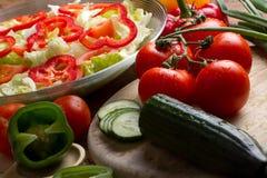 έτοιμα λαχανικά σαλάτας στοκ εικόνα με δικαίωμα ελεύθερης χρήσης