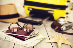 Έτοιμη βαλίτσα διακοπών, έννοια διακοπών Στοκ Εικόνα