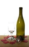 έτοιμο κρασί βαλεντίνων γυαλιών ημέρας μπουκαλιών Στοκ φωτογραφίες με δικαίωμα ελεύθερης χρήσης