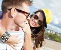 Έφηβοι που έχουν τη διασκέδαση έξω Στοκ φωτογραφίες με δικαίωμα ελεύθερης χρήσης