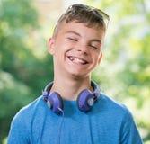έφηβος ακουστικών αγορ&io Στοκ εικόνες με δικαίωμα ελεύθερης χρήσης