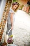 έφηβος κοριτσιών μόδας καθιερώνων τη μόδα Στοκ Εικόνα