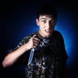 Έφηβος με ένα μαχαίρι Στοκ φωτογραφίες με δικαίωμα ελεύθερης χρήσης