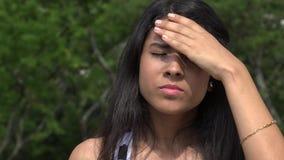 Έφηβος με τον πονοκέφαλο ή τον πυρετό απόθεμα βίντεο