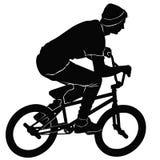 Έφηβος που οδηγά ένα ποδήλατο BMX διανυσματική απεικόνιση