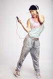 Έφηβος που χορεύει στη μουσική λυκίσκου ισχίων Στοκ Εικόνα