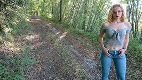 Έφηβος στο Forrest στοκ εικόνα