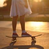 Έφηβος Hipster με skateboard Στοκ Εικόνα