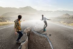 Έχει δροσιά skateboarder Μικτά μέσα στοκ φωτογραφία με δικαίωμα ελεύθερης χρήσης