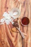 Έλαιο καρύδων, αναφυλαξίες καρύδων, αλεσμένα φασόλια βανίλιας και siru σφενδάμνου Στοκ Φωτογραφίες