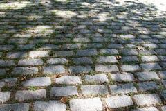 Έδαφος τούβλου κάτω από τη σκιά Στοκ εικόνα με δικαίωμα ελεύθερης χρήσης