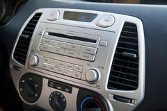 Έλεγχοι στερεοφωνικού συγκροτήματος & κλιματισμού αυτοκινήτων Στοκ Εικόνες