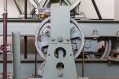 Έλεγχος καλωδίων συντήρησης άξονων ανελκυστήρων Στοκ Φωτογραφίες