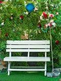 Έδρα με την αψίδα λουλουδιών Στοκ φωτογραφίες με δικαίωμα ελεύθερης χρήσης