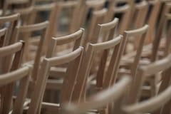 έδρες ξύλινες Στοκ Φωτογραφίες