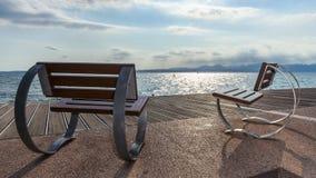 Έδρες που αγνοούν το garda λιμνών Στοκ εικόνες με δικαίωμα ελεύθερης χρήσης