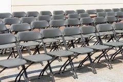 Έδρες στις σειρές πριν από τη συναυλία Στοκ Εικόνα