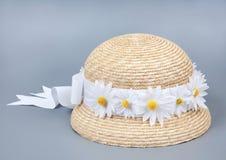 ήλιος αχύρου καπέλων παρ&alph Στοκ εικόνα με δικαίωμα ελεύθερης χρήσης
