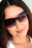 ήλιος γυαλιών brunette στοκ εικόνες