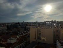 ήλιος και πόλη Στοκ εικόνα με δικαίωμα ελεύθερης χρήσης