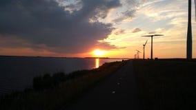 Ήλιος που πηγαίνει κάτω Στοκ φωτογραφίες με δικαίωμα ελεύθερης χρήσης