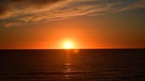 Ήλιος που τίθεται με το όμορφο χρώμα στοκ εικόνες