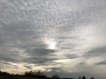 Ήλιος Memes κάλυψης σύννεφων Στοκ φωτογραφία με δικαίωμα ελεύθερης χρήσης