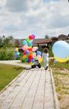 ήλιο φυσαλίδων αγοριών π&omic Στοκ Φωτογραφίες