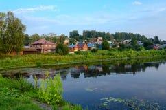 Ήρεμη επαρχιακή πόλη Ples στο θερινό λυκόφως, Ρωσία Στοκ Φωτογραφία