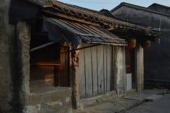 Ήρεμη ζωή μεγάρων απόγευμα όμορφο Κινεζική απεικόνιση μεγάρων της ζωής Το παλαιό κατάστημα κλειστό Στοκ Φωτογραφίες