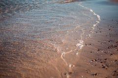 Ήρεμη κυματωγή βραδιού σε Μαύρη Θάλασσα στοκ εικόνα με δικαίωμα ελεύθερης χρήσης