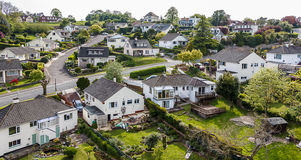 Ήρεμη προαστιακή εναέρια άποψη γειτονιάς Στοκ εικόνες με δικαίωμα ελεύθερης χρήσης