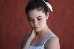 Ήρεμη σκέψη κοριτσιών εφήβων Στοκ εικόνα με δικαίωμα ελεύθερης χρήσης