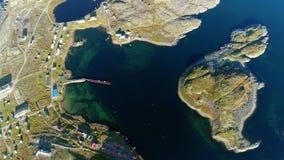 Ήρεμος πυροβολισμός φύσης multicopter Stts Dalniye Zelentsy στη Θάλασσα του Μπάρεντς φιλμ μικρού μήκους