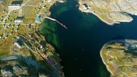 Ήρεμος πυροβολισμός φύσης multicopter Stts Dalniye Zelentsy στη Θάλασσα του Μπάρεντς απόθεμα βίντεο