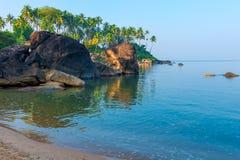 Ήρεμος ωκεανός σε μια όμορφη λιμνοθάλασσα στοκ εικόνες με δικαίωμα ελεύθερης χρήσης