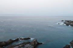 Ήρεμο πρωί πέρα από Tenerife seacoast τη μακροχρόνια άποψη έκθεσης Στοκ εικόνα με δικαίωμα ελεύθερης χρήσης
