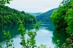 Ήρεμο τυρκουάζ νερό, λίμνες Plitvice, Κροατία Στοκ φωτογραφία με δικαίωμα ελεύθερης χρήσης