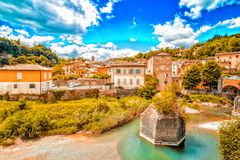 Ήρεμο χωριό στους λόφους Romagna στοκ εικόνα με δικαίωμα ελεύθερης χρήσης