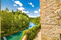 Ήρεμο χωριό στους λόφους Romagna στοκ εικόνες