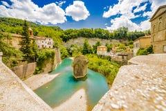 Ήρεμο χωριό στους λόφους Romagna στοκ φωτογραφία