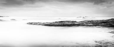 Ήρεμο ωκεάνιο τοπίο γραπτό Στοκ Φωτογραφία