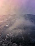 ήρθε ηλιοβασίλεμα ομίχλης επάνω στο χειμώνα Στοκ Φωτογραφία