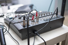 ήχος αναμικτών εξοπλισμού του DJ συναυλιών Στοκ εικόνα με δικαίωμα ελεύθερης χρήσης