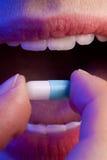 λήψη ιατρικής Στοκ εικόνες με δικαίωμα ελεύθερης χρήσης