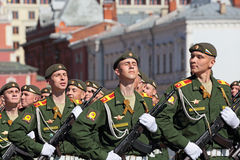 40 ήδη η μάχη έρχεται αιώνια δόξα λουλουδιών φασισμού ημέρας που η μεγάλη τιμή ηρώων εντούτοις βάζει τα μνημεία μνήμης περισσότερ Στοκ Φωτογραφία