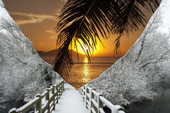 Ήλιος και χιόνι  Στοκ εικόνες με δικαίωμα ελεύθερης χρήσης