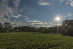 Ήλιος κοντά στην πόλη NAD Vltavou Hluboka στο χρόνο φθινοπώρου Στοκ εικόνα με δικαίωμα ελεύθερης χρήσης