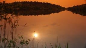 Ήλιος με τον κόκκινο ουρανό στοκ φωτογραφίες με δικαίωμα ελεύθερης χρήσης
