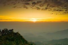 Ήλιος Mornig και δρόμος του βουνού Ταϊλάνδη tubberg Στοκ φωτογραφία με δικαίωμα ελεύθερης χρήσης